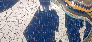 Mosaic at London Road Station – by young volunteers