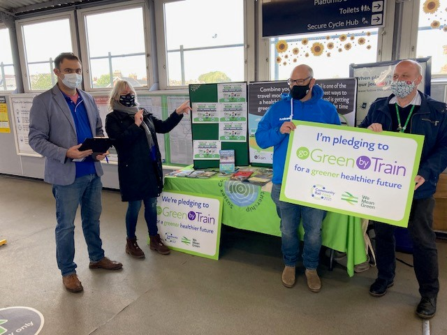 Tonbridge station hosts a 'go green' event